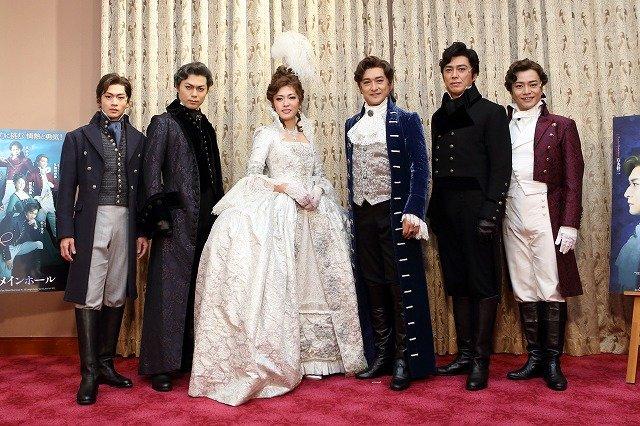 石丸幹二が再演に手応え「一年を経て熟した」『スカーレット・ピンパーネル』大阪で開幕