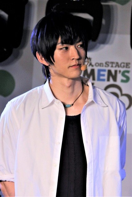 「おそ松さん on STAGE ~SIX MEN'S SHOW TIME 2~」会見画像_13.jpg