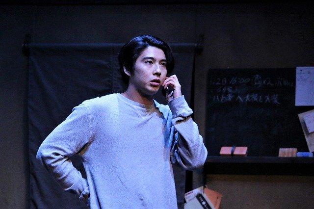 『流山ブルーバード』開幕!賀来賢人「芝居をするのが恥ずかしかった」理由とは?