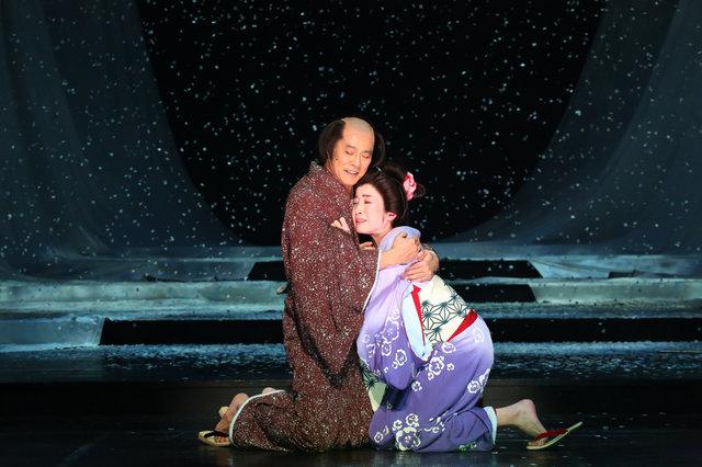 堤真一、宮沢りえらが臨む究極の愛!いのうえひでのり演出『近松心中物語』開幕