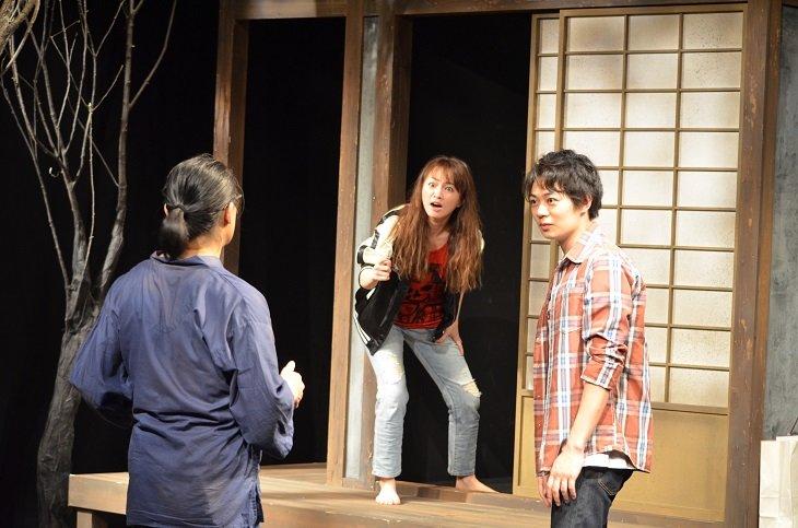 「演技のおもしろさが詰まってる」『トリスケリオンの靴音』舞台写真&コメントが到着