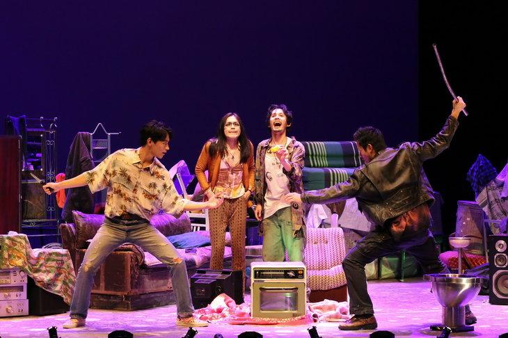 """実は、青春モノ?!『High Life -ハイ・ライフ-』映像や音楽にもこだわった""""トリップ""""演劇、開幕"""