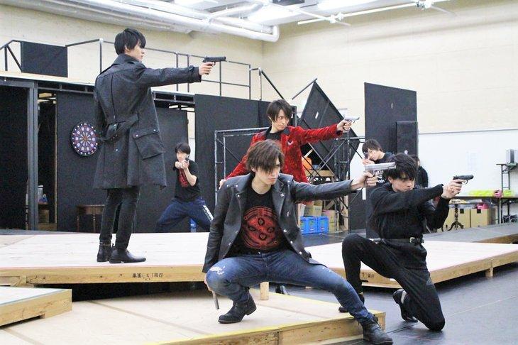まばたき禁止!「劇団シャイニング from うたの☆プリンスさまっ♪『JOKER TRAP』」稽古場レポート
