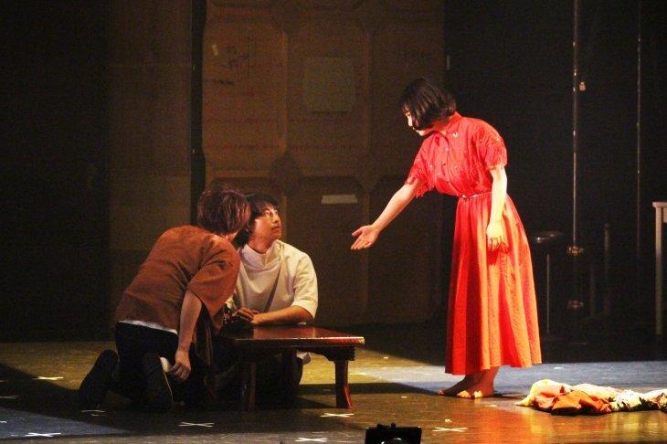『変わり咲きジュリアン』舞台写真_8