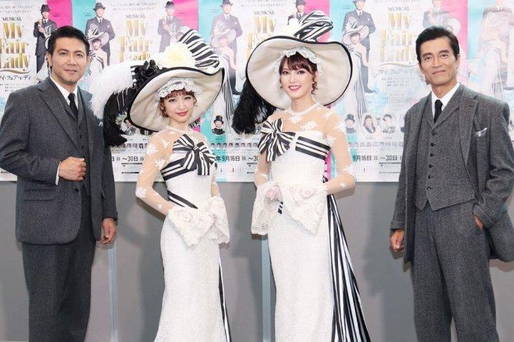 朝夏まなと&神田沙也加、新プリンセスがW登壇!ミュージカル『マイ・フェア・レディ』開幕会見