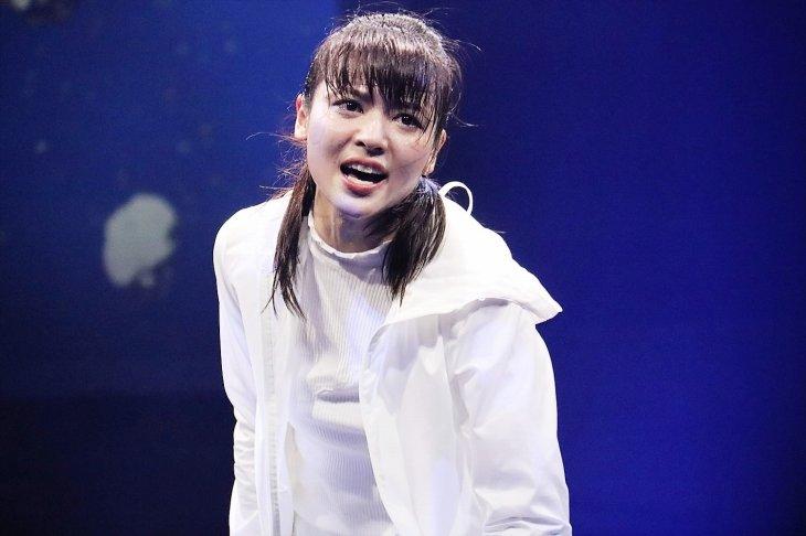 矢島舞美が魅せるノンストップ・SFアクション『LADY OUT LAW!』ゲネプロレポート