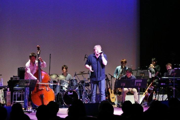 JOJの至高の歌声!『ジョン・オーウェン=ジョーンズ コンサート2018』レポート