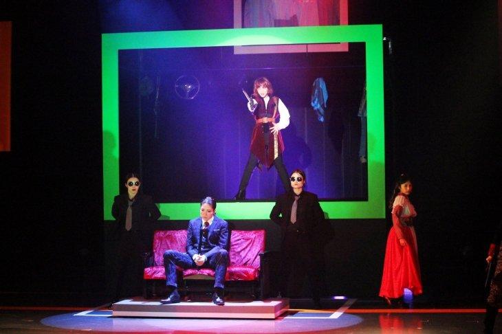 『七色いんこ』舞台写真_10