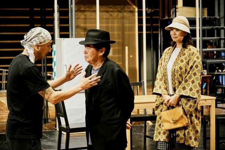 """『セールスマンの死』長塚圭史演出で""""生きる""""ことそのものと向き合う稽古場"""