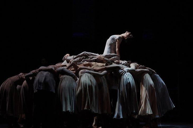 Main_Tamara Rojo in Akram Khan's Giselleロゴc Laurent Liotardo
