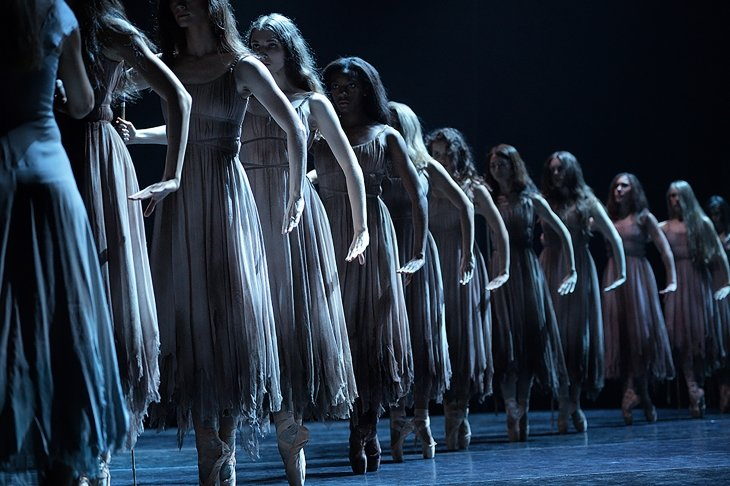 Sub_English National Ballet in Akram Khan's Giselle ロゴc Laurent Liotardo