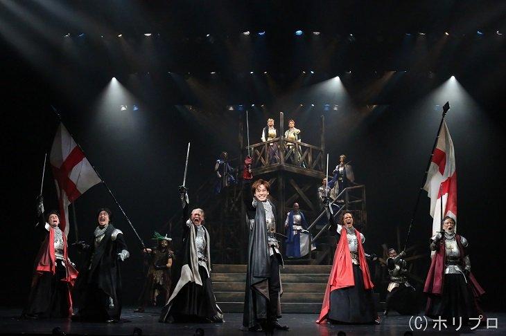 『ヘンリー五世』舞台写真!吉田鋼太郎「松坂桃李くんは、選ばれし俳優」