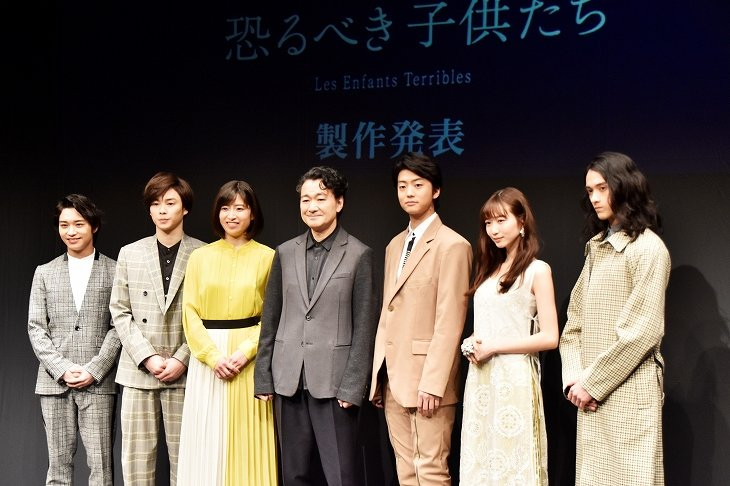 『春のめざめ』『恐るべき子供たち』製作発表レポート 白井晃が若き俳優たちと見直す現代戯曲