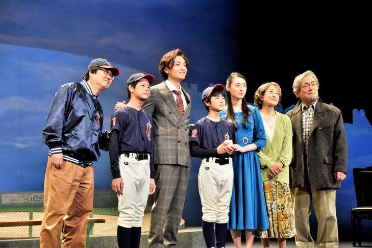 井上芳雄演じる絶望の淵に立つ男と、彼が出会った『十二番目の天使』公演レポート