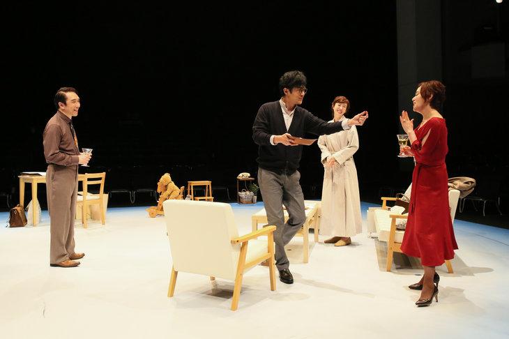 KERAのもとに大竹しのぶ、稲垣吾郎らが13年ぶりに集結『LIFE LIFE LIFE ~人生の3つのヴァージョン~』開幕