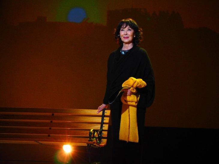 岸惠子ひとり語り『輝ける夕暮れ』開幕!美しく語られる晩年の恋物語とのフリートーク