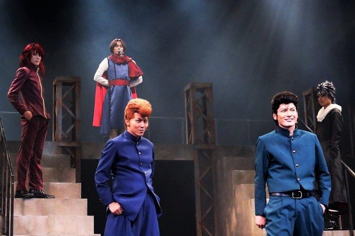 舞台『幽☆遊☆白書』開幕! 霊丸アピールの崎山つばさ「懐かしくも、観たことない舞台に」
