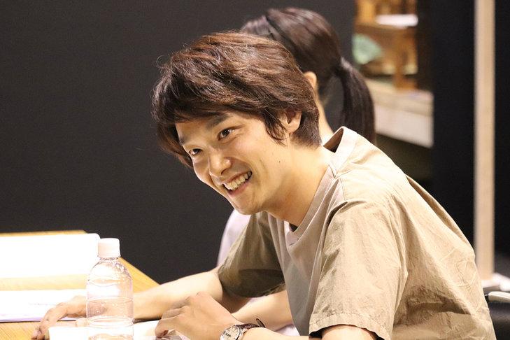井上芳雄が小林多喜二の魂を歌う!『組曲虐殺』稽古場オフィシャルレポート