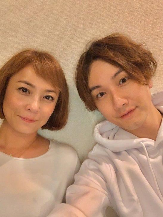 細貝圭&佐藤仁美、二人の誕生日に結婚発表「笑顔と優しさで溢れた家庭を」