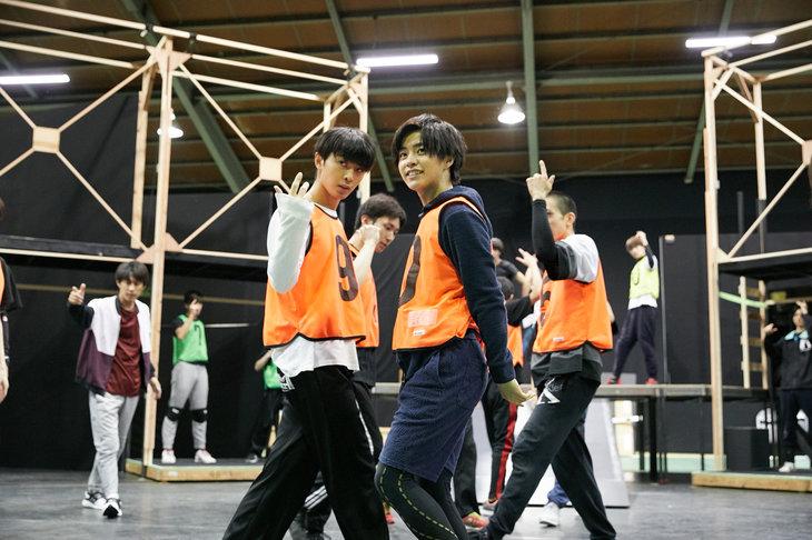 演劇「ハイキュー!!」史上初!醍醐虎汰朗、赤名竜之輔らが躍動する〝飛翔〞稽古場を公開