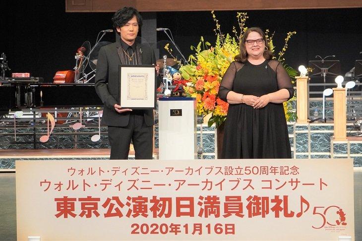 『ウォルト・ディズニー・アーカイブスコンサート』案内人の稲垣吾郎「夢のような時間を」