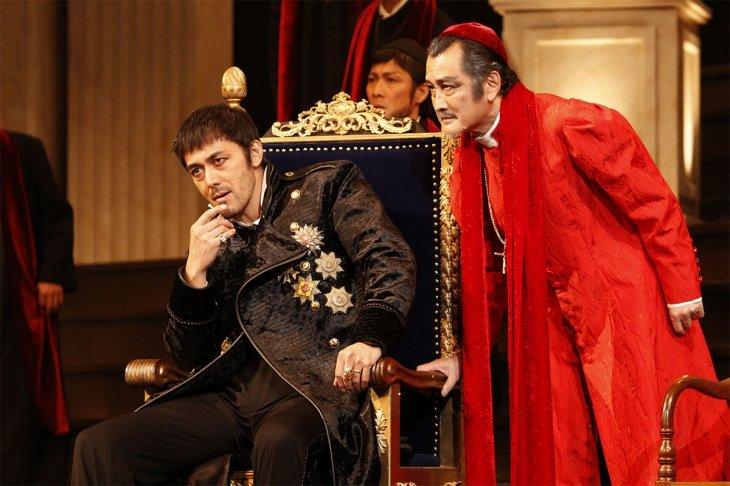 """阿部寛、彩の国シェイクスピア・シリーズ『ヘンリー八世』で英国王室史上""""最もスキャンダラスな王""""に"""
