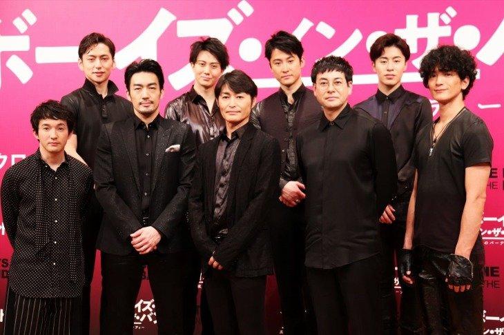 『ボーイズ・イン・ザ・バンド』製作発表!白井晃「9人の人間関係がうねる中で見えてくる外の世界を見せたい」