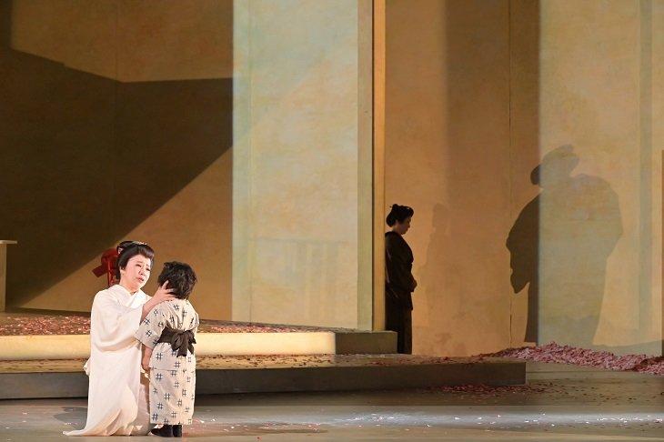 『蝶々夫人』舞台写真