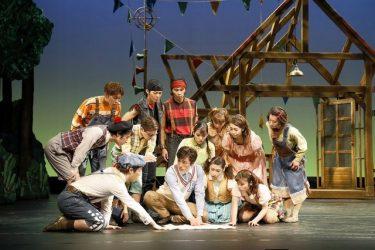 冬休みの素敵な思い出に!劇団四季ファミリーミュージカル『嵐の中の子どもたち』開幕