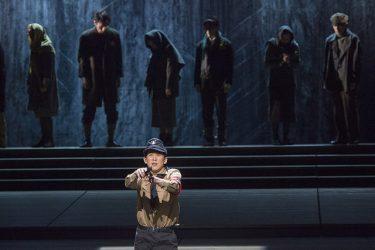 手塚治虫原作の衝撃作が蘇る!舞台『アドルフに告ぐ』ついに開幕