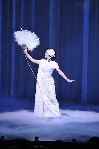 浅利慶太が新たな命を吹き込む。『ミュージカル李香蘭』
