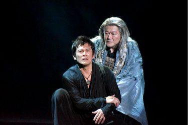 内野聖陽演じる48歳の新解釈『ハムレット』、演劇ならではのカタルシスに興奮!公演レポート