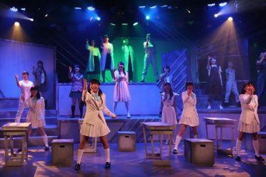 明日を夢見る熱きLIVEDOG GIRLSが紡ぐ物語『エデンの空に降りゆく星唄』公演レポート