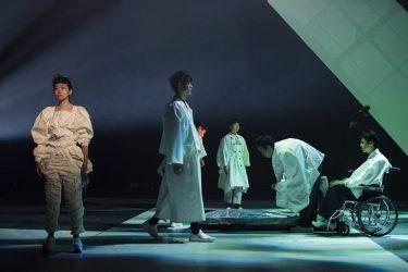 藤田貴大の新作『CITY』開幕!「柳楽優弥さんの鏡のような眼に、どんな現代が映るか」