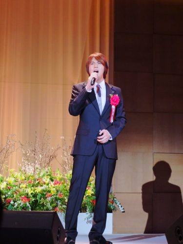 【動画】<超貴重>浦井健治が『アルジャーノンに花束を』を熱唱!読売演劇大賞贈賞式