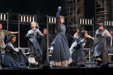 柚希礼音が「自信作」と胸を張るA New Musical『FACTORY GIRLS~私が描く物語~』開幕