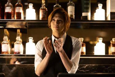 水江建太が『M 愛すべき人がいて』に出演!バーのマスター役で弾き語りも披露