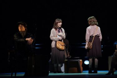 長い長い旅路の先に何があるのか・・・唯月ふうか&優河W主演ミュージカル『VIOLET』日本キャスト版が開幕