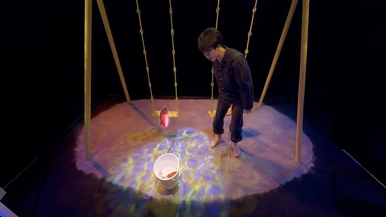 360度、全てが見どころ!『僕はまだ死んでない』VR演劇体験レポート