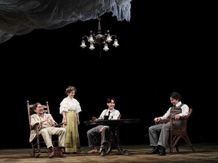 大竹しのぶ、大倉忠義、杉野遥亮、池田成志らが挑む家族の愛憎劇『夜への長い旅路』開幕