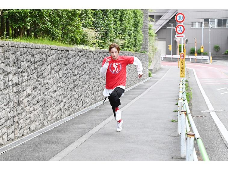 三浦涼介、走る!15周年を迎えた「全力坂」でイケメン新企画7月スタート