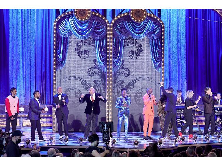 「第74回トニー賞」は『ムーラン・ルージュ』がミュージカル作品賞・主演男優賞など最多10部門を受賞